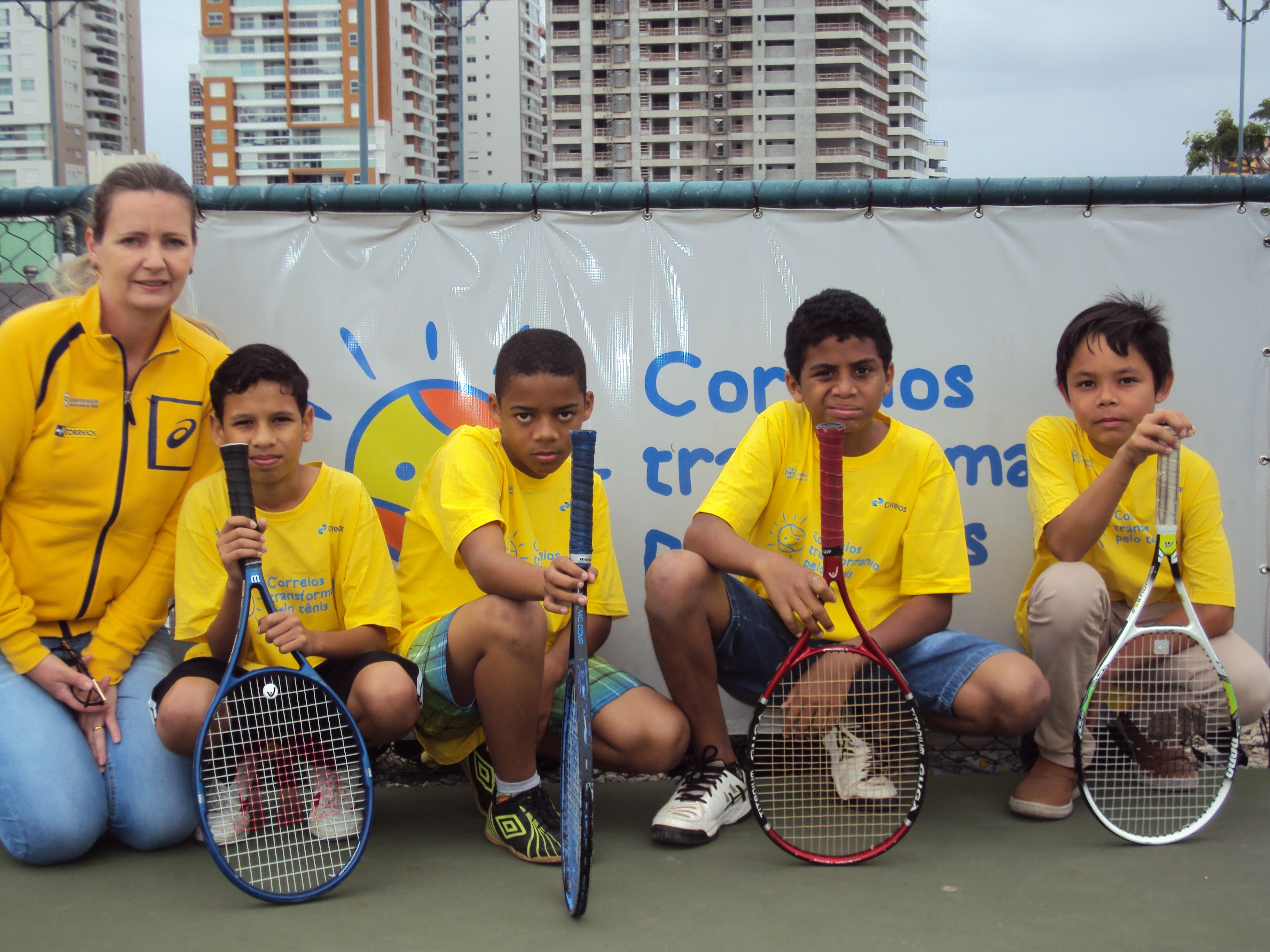 Tenistas de projeto social da Capital vencem o 1º Torneio Categoria Incentivo
